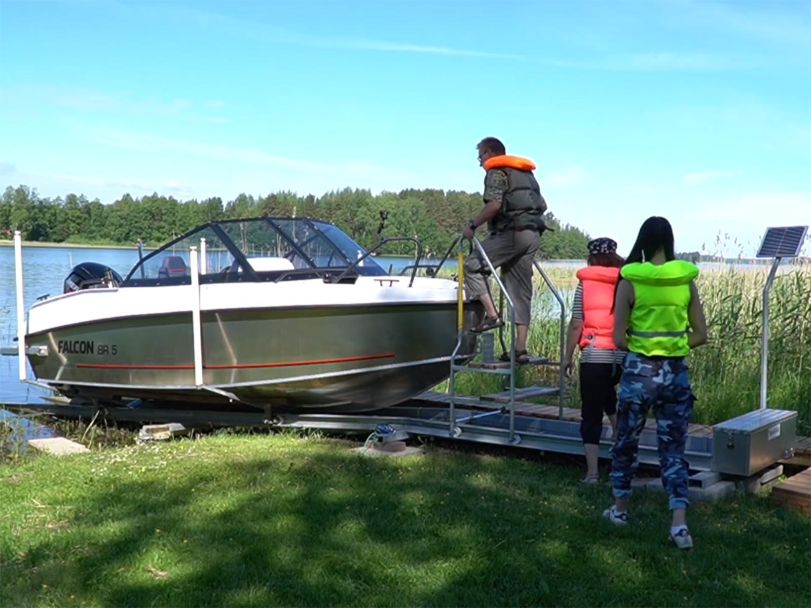 Easier boating with EasyBoatRoller